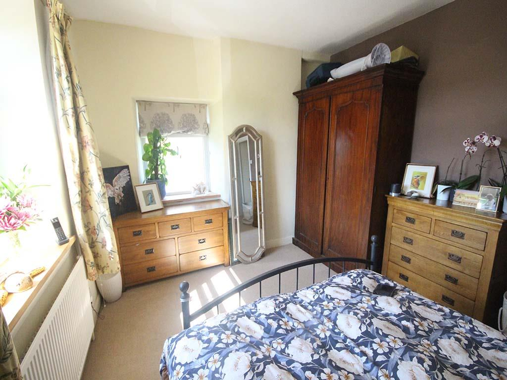 2 bedroom end terrace house For Sale in Winewall - IMG_7269.jpg